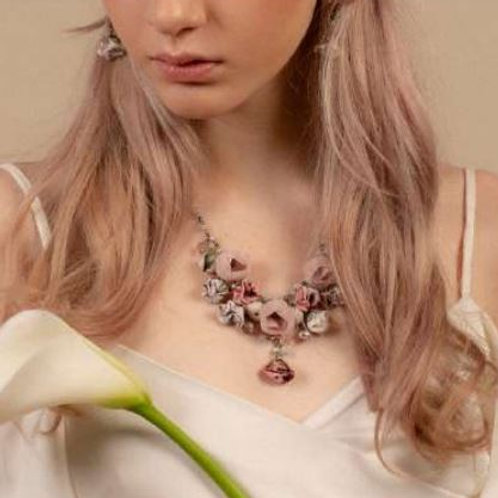 Collier PEONY boutons de roses