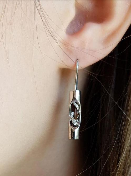 Boucles d'oreille crochet tube en argent avec crin