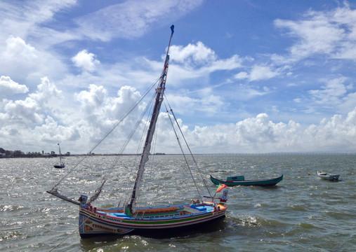 Fishing boat in Alcochete (Setúbal)