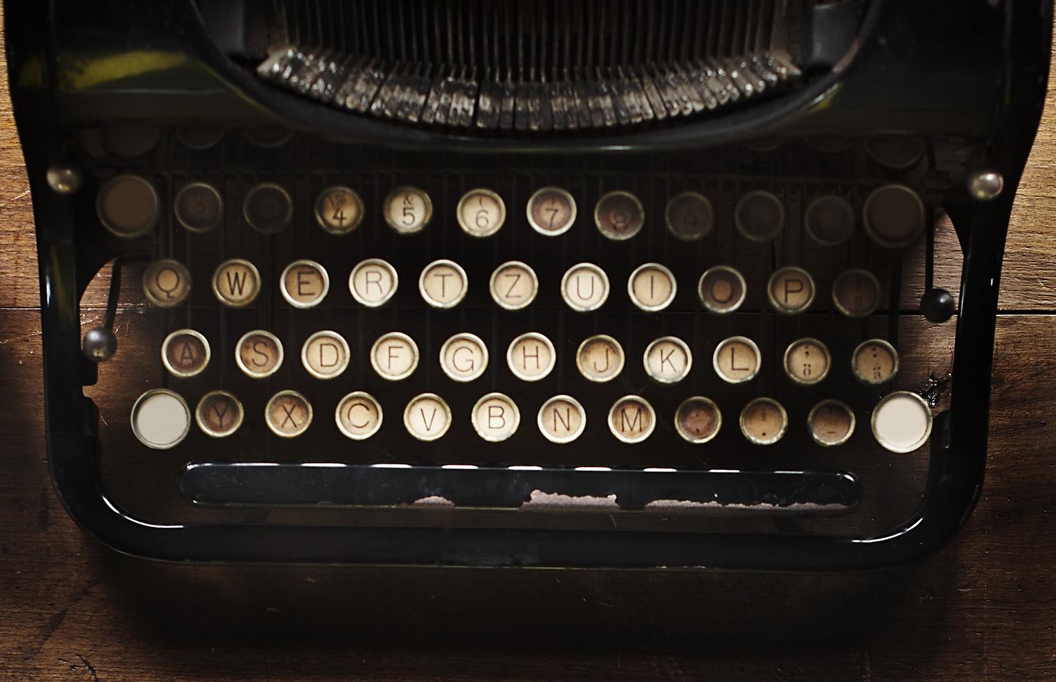 typewriter keyboard.png