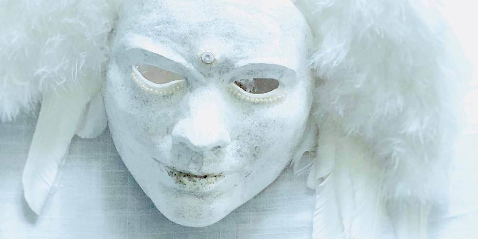 Bak maskene