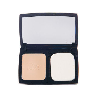Dior SKIN FOREVER EXTREME COMPACT POWDER #010 凝脂恒久卓越控油粉饼