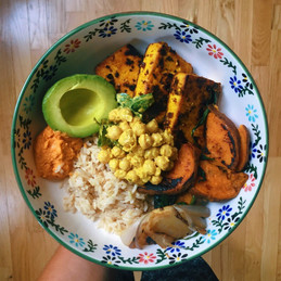 Curried tofu steaks, rice and veggies