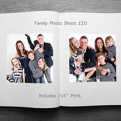 """Family Photo Shoot. 1 hour, includes 7x5"""" Print"""