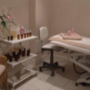 orig_beauty_room_018 - 250x250.jpg