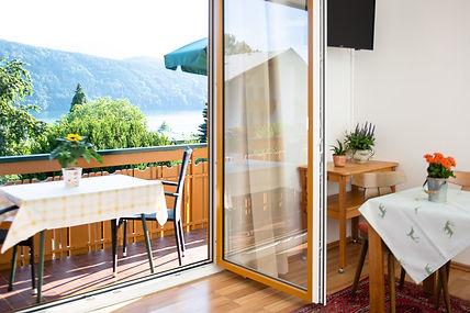 FZ mit Balkon 7.jpg