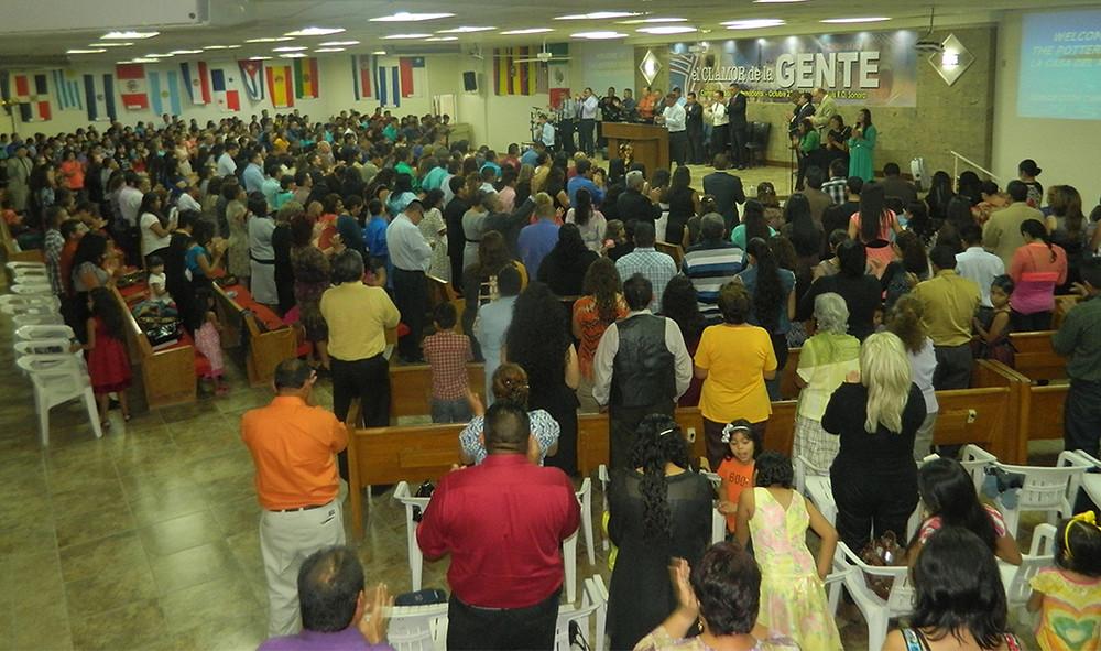 San Luis Crowd.jpg