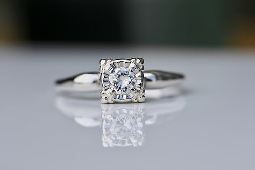 VINTAGE DIAMOND SOLITAIRE ENGAGEMENT RING WHITE GOLD