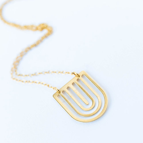Dainty Arch Necklace