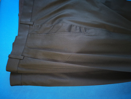 Black casual trousers in pure cotton.