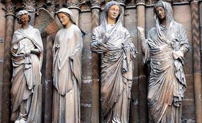 Reims; la escultura se independiza de la arquitectura
