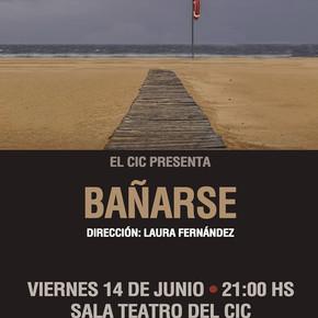 """""""Bañarse"""" en el Teatro del CIC."""
