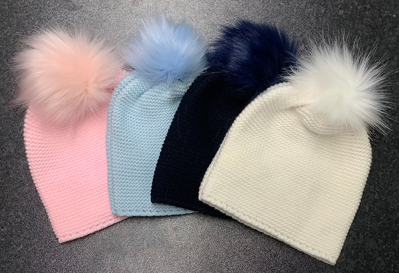 Meia Pata Baby Blue knitted hats with faux fur Pom Pom.
