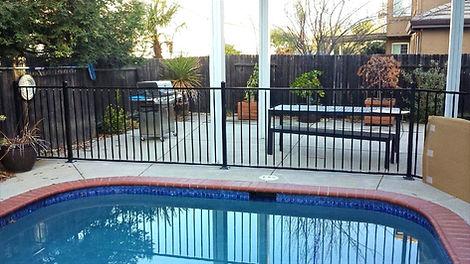 Pool-Fence-20140116_083633_edited.jpg