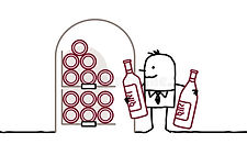 homme-dans-la-cave-et-bouteilles-de-vin-