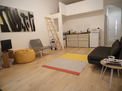 studio RDC vue cusine et mezzanine.jpg