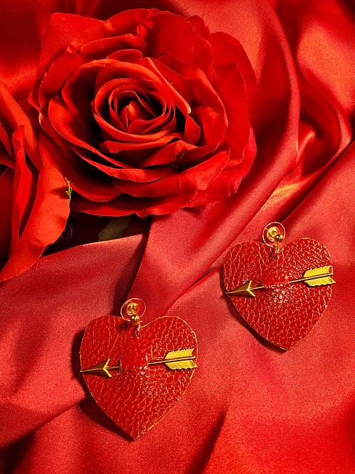 Corazones Y Flechas Earrings