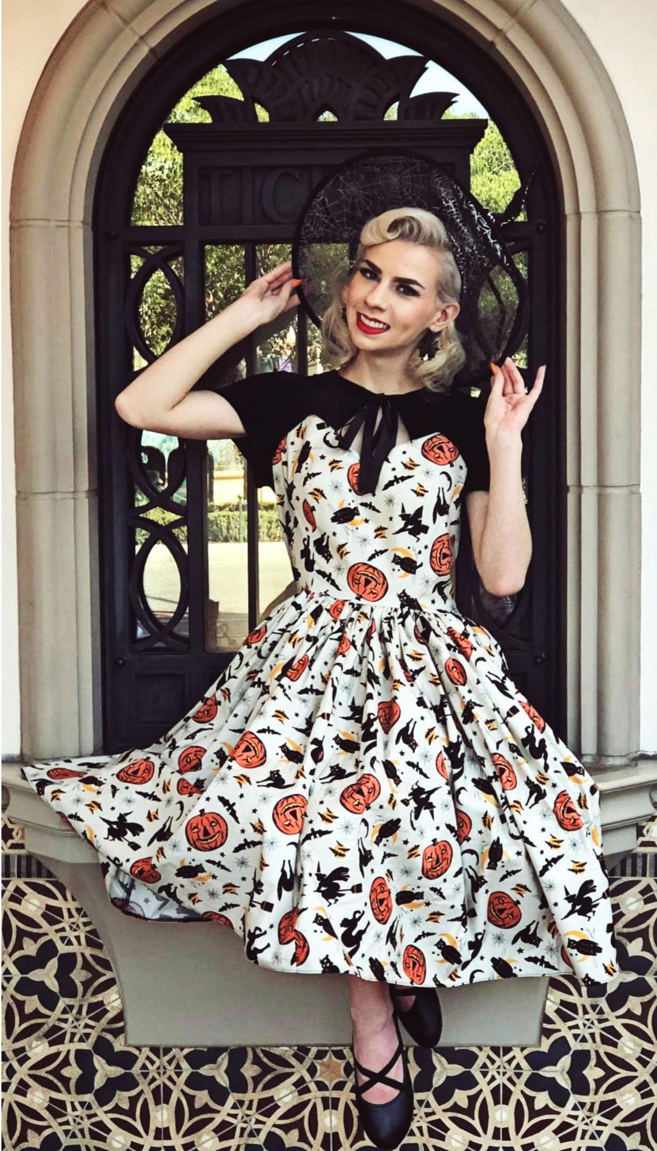 The Hallowe'en Dress