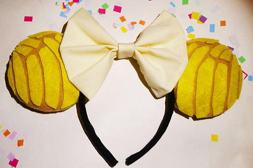 Celebracion Ears in Concha Amarilla