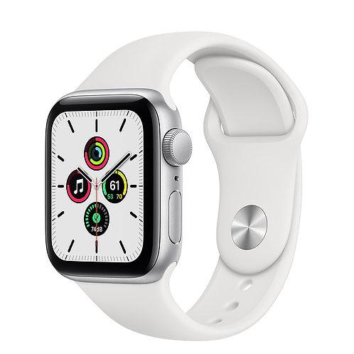 Apple Watch SE 44mm Корпус из алюминия серебристого цвета Спортивный ремешок