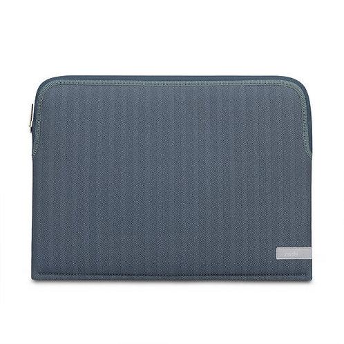 "Чехол-рукав Moshi Pluma для MacBook Pro/Air 13"". Материал неопрен. Цвет синий."