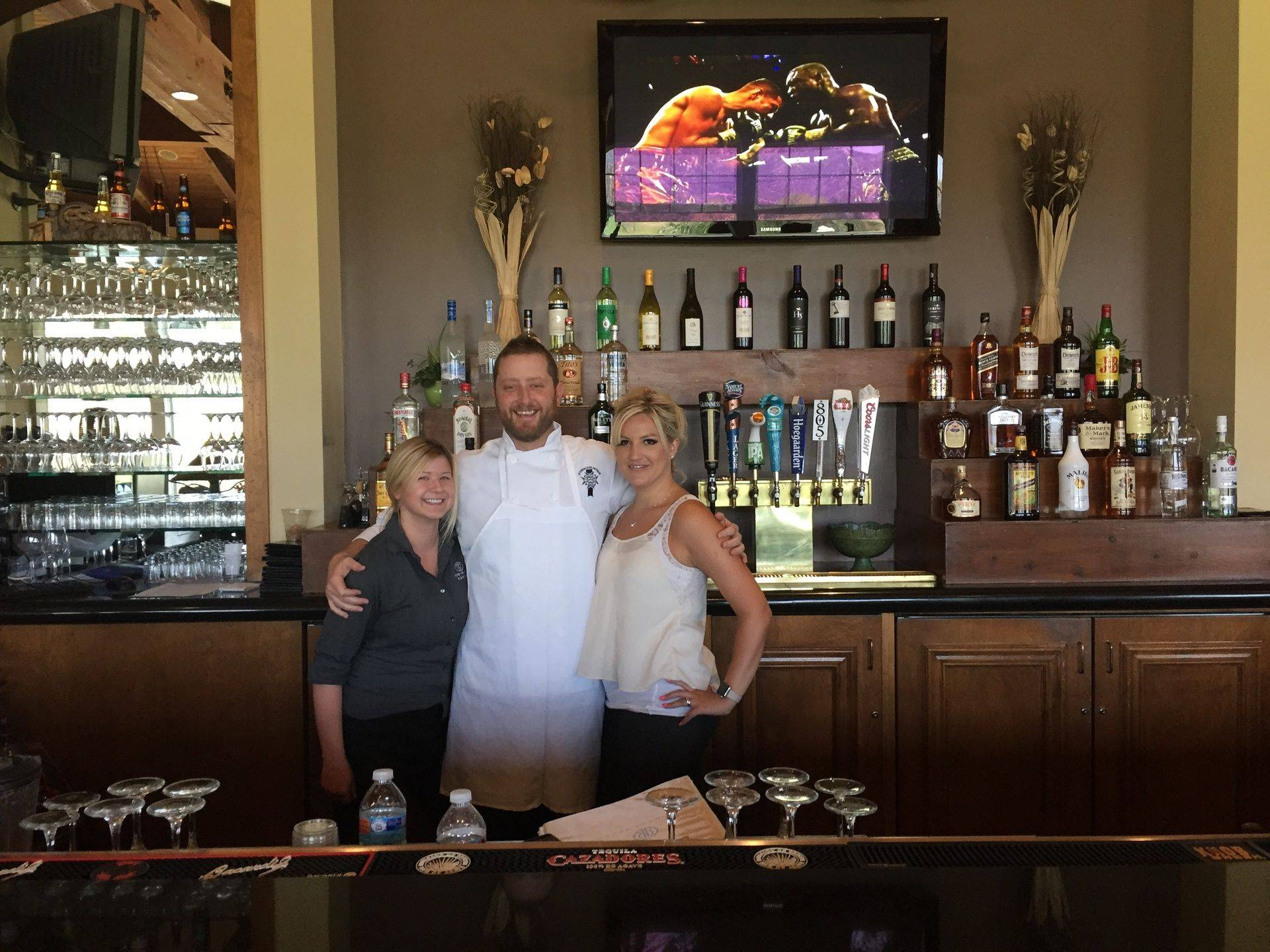 sycamore bar & grill staff pic