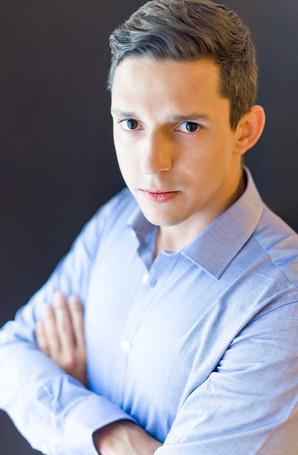 Rodrigo Businees Portrait 3.jpg