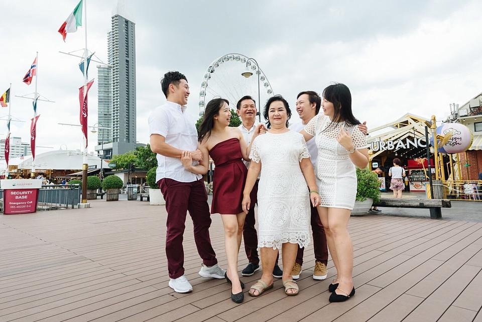 Family Photoshoot Asiatique Bangkok