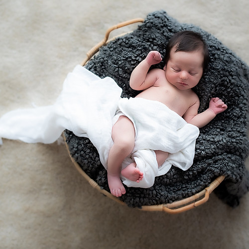 Liz Family Newborn Studio (Bangkok)
