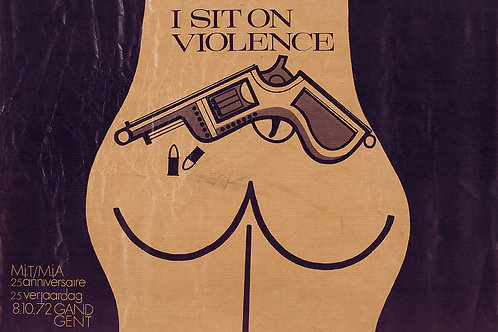 Carte postale / I sit on violence