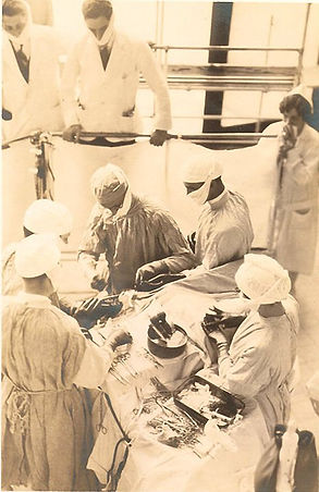 History of Neurosurgery: Harvey Cushing during surgery