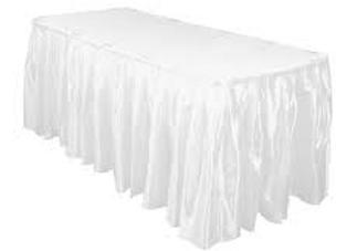 חצאית לשולחן לבנה