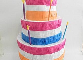 פיניאטה עוגת יום הולדת