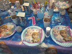 פרוזן אנה ואלזה למסיבה מושלמת