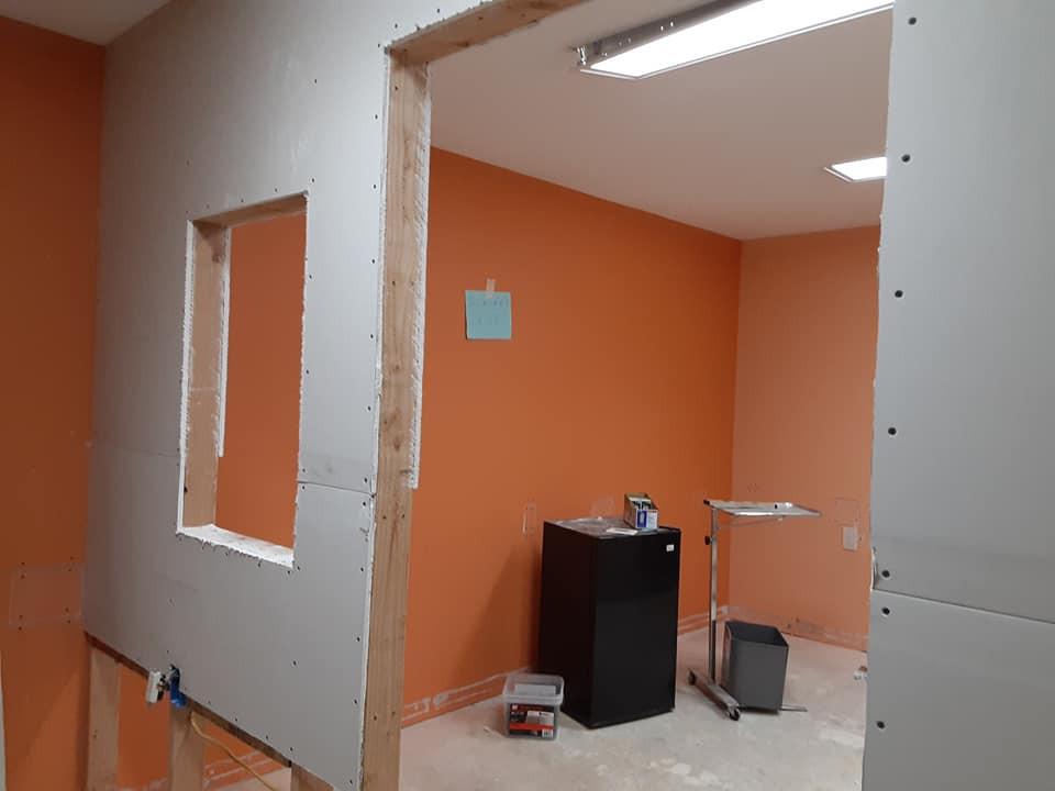 doorway to surgery suite top rock.jpg