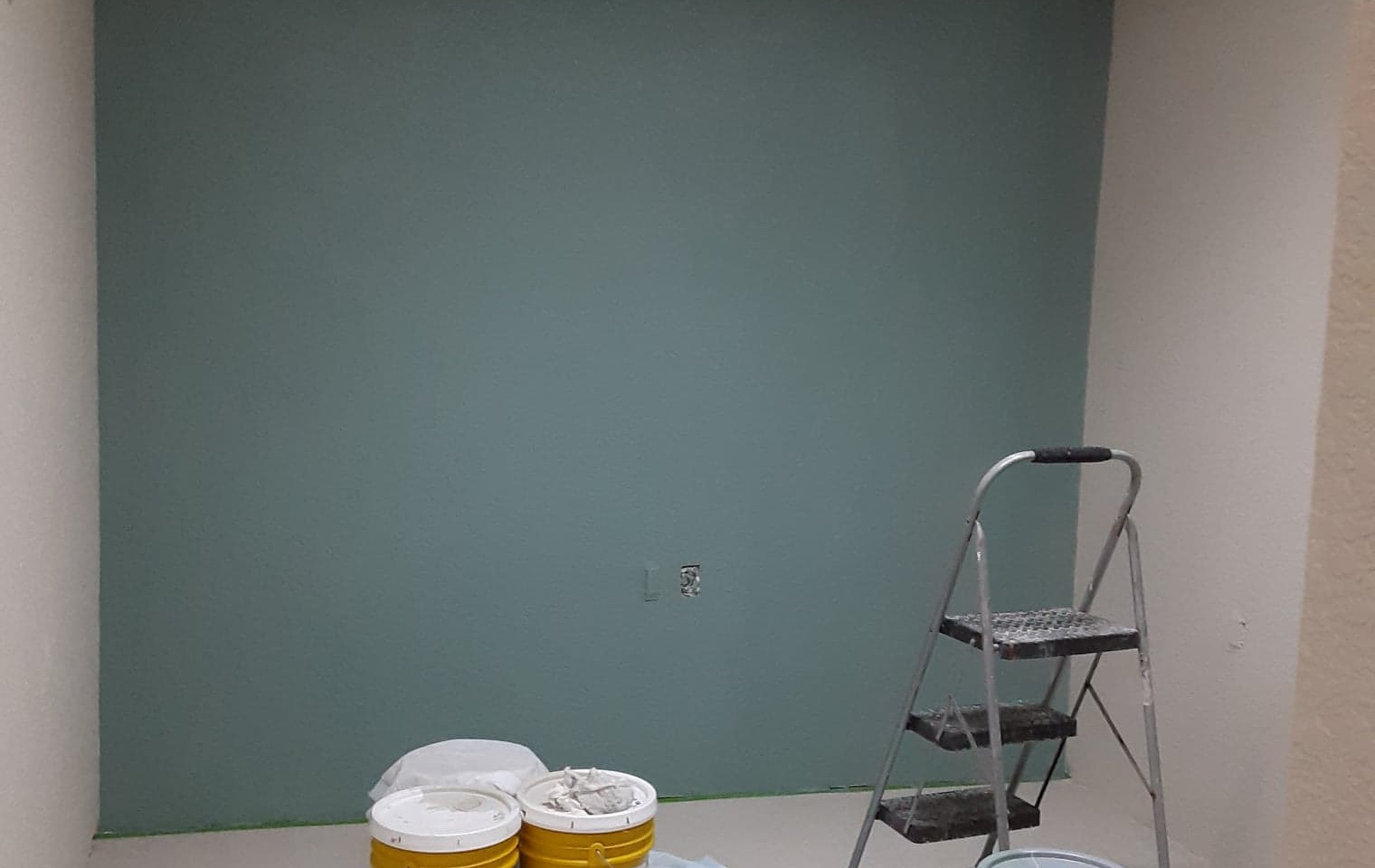 lobby paint and accent color.jpg
