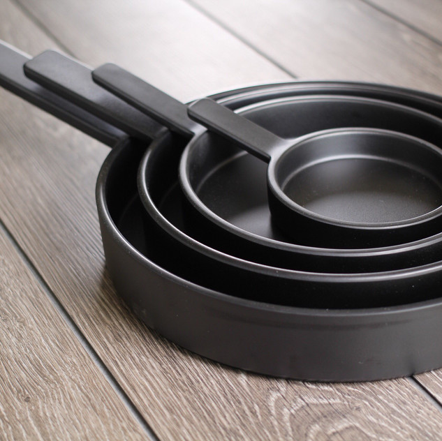 Happy Fry-day! What would you serve in Japanese cast iron frying pans made from durable melamine