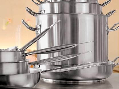 Equipamiento y Utiles de Cocina .