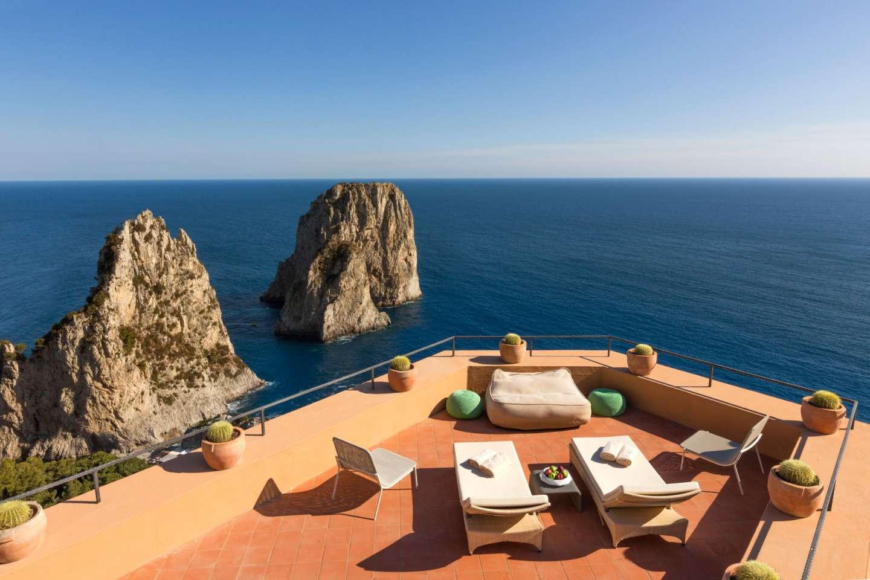 Top Location Hotel Capri