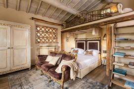 Traditional Style Hotel Tuscany