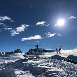 HELICOPTER SKI TOUR