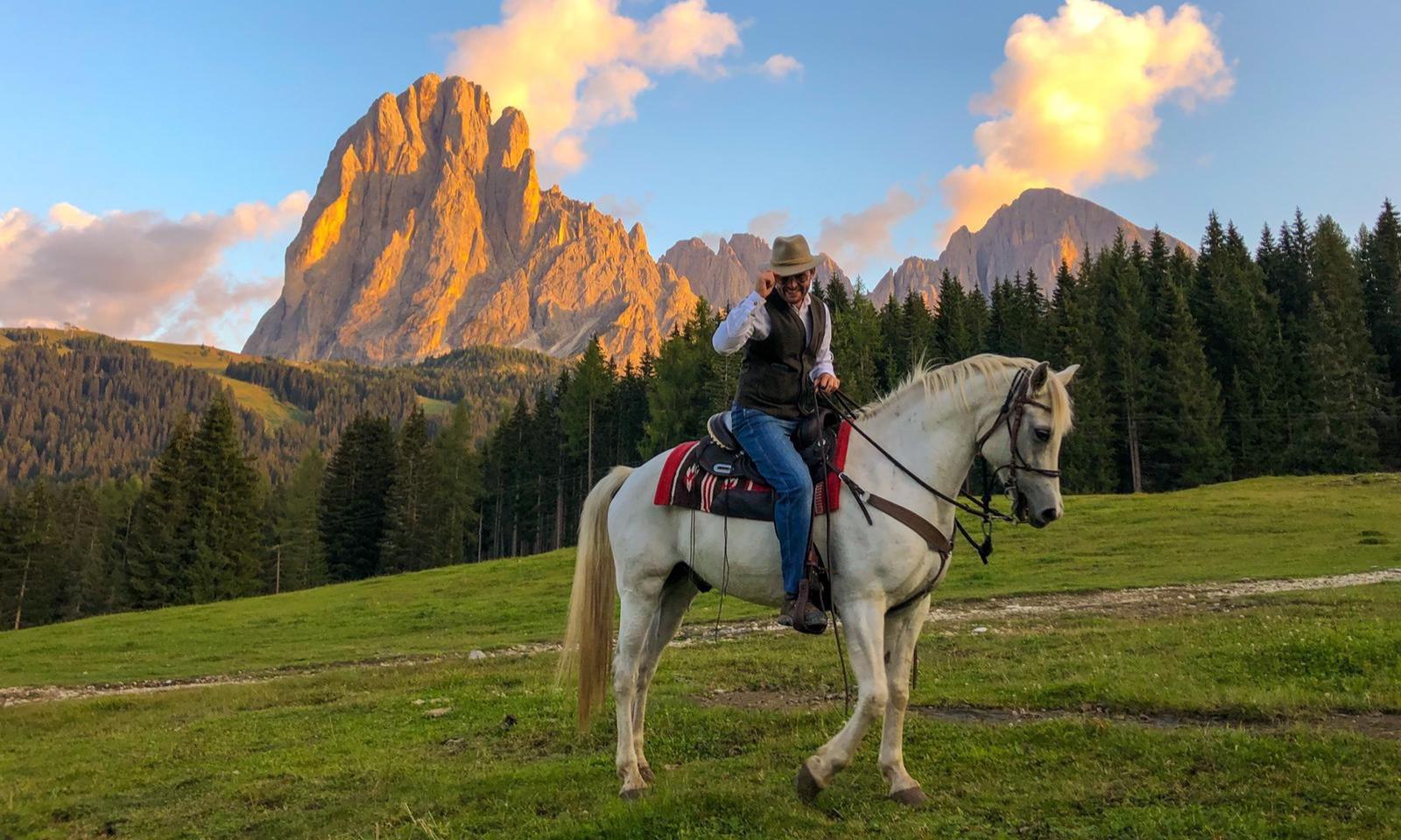 Sundown Horse Trekking