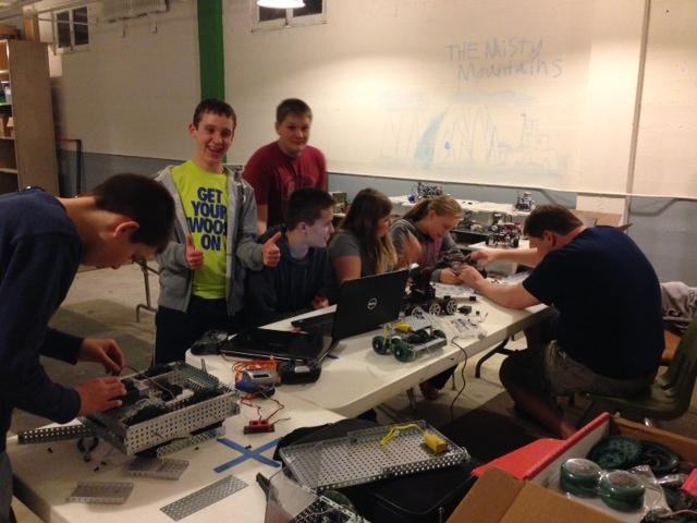building vex bot.JPG