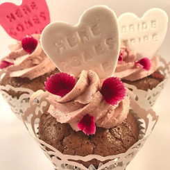 Cute bridal shower cupcakes! Choc mud ca