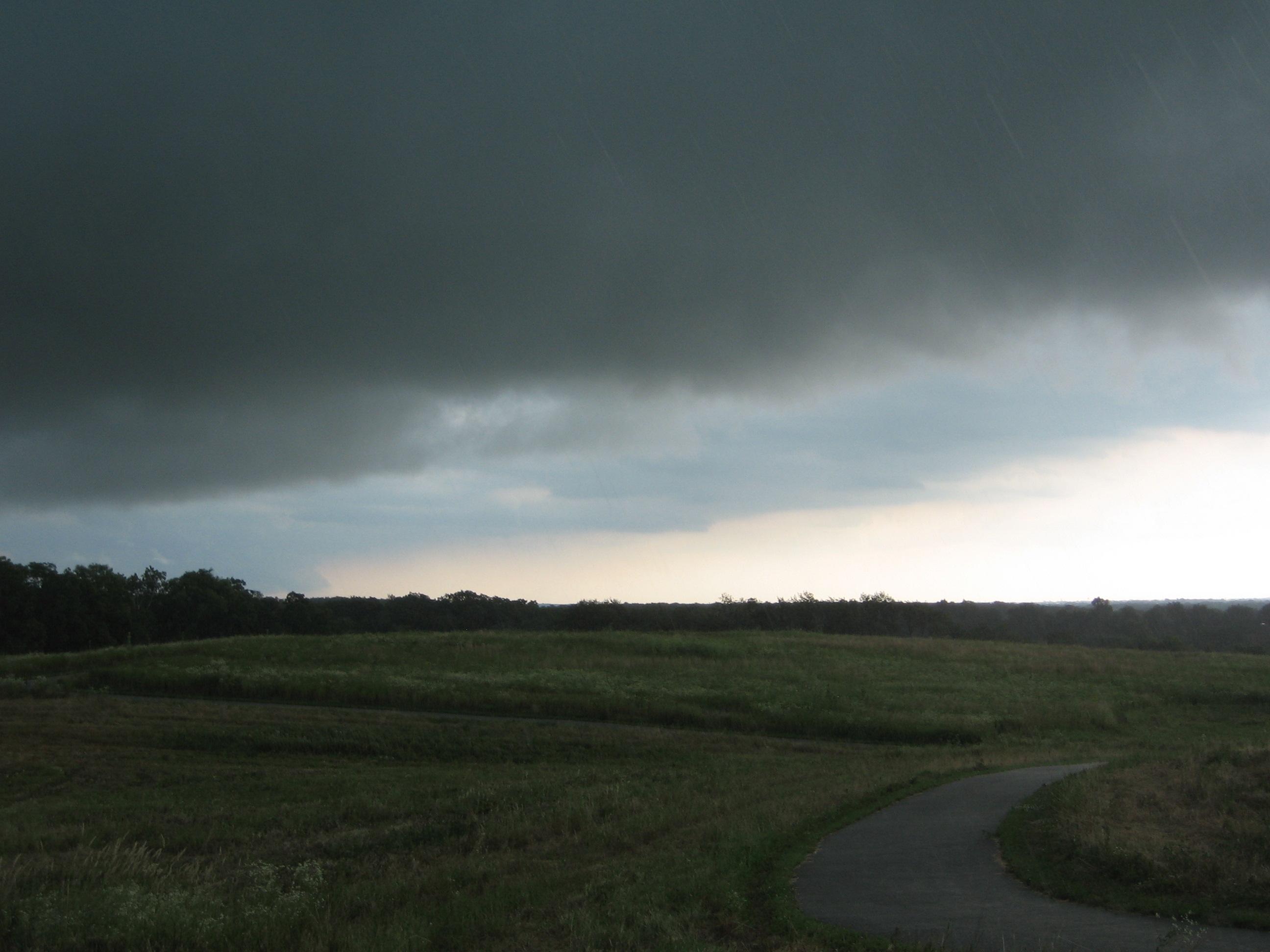 2007 07 July 09  RL severe storm chase lesbians 012.jpg