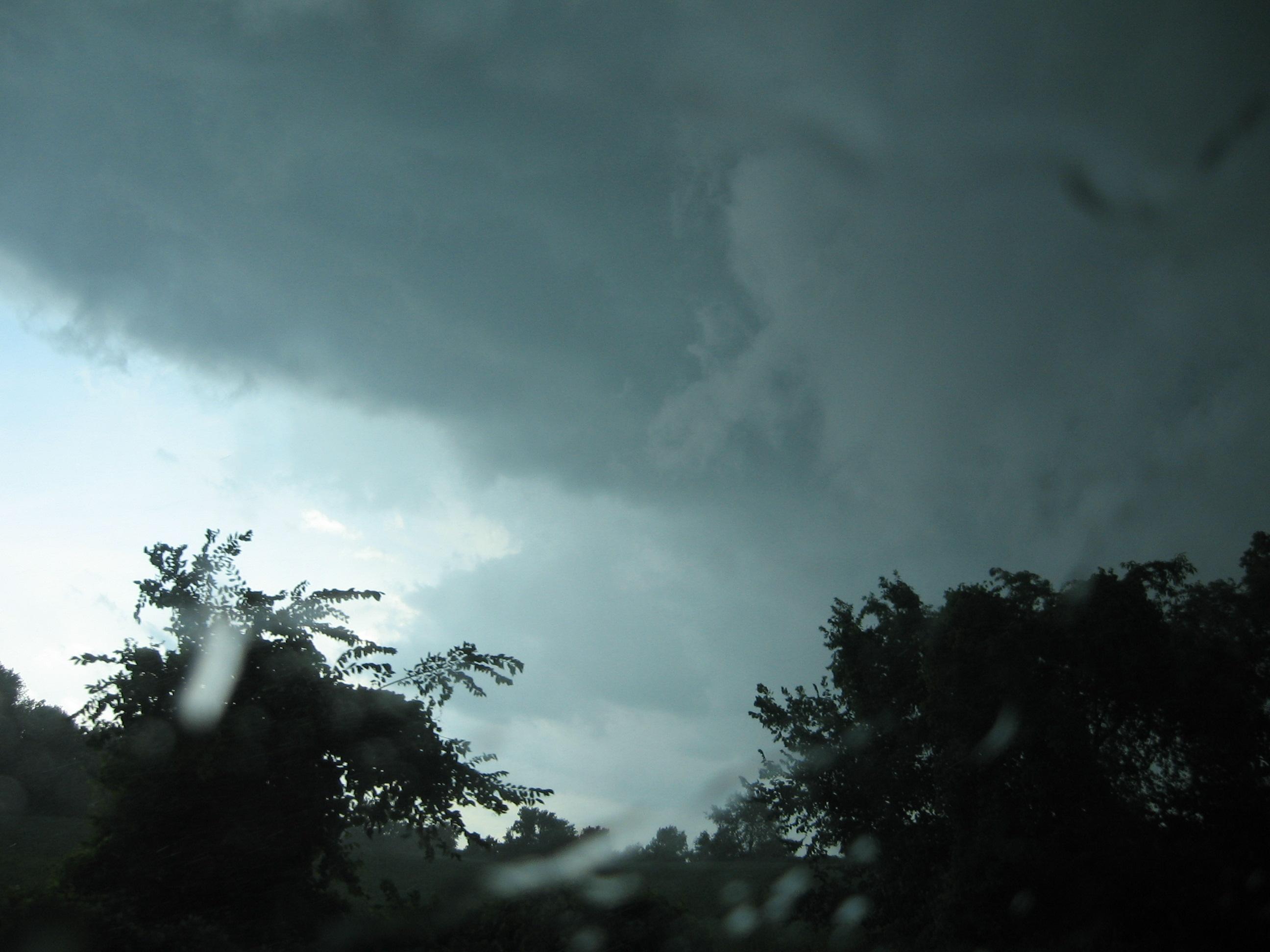 2007 07 July 09  RL severe storm chase lesbians 004.jpg