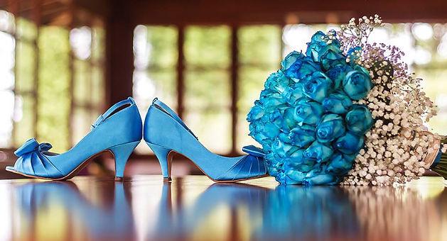 68a2028968 ... garantir que o estilo, o material e a altura dos sapatos combinam  perfeitamente com o traje mais importante de sua vida: seu sonhado vestido  de noiva.