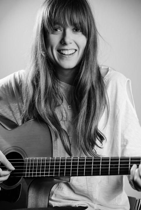 Singer Amelia Barnard