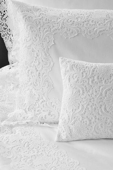 Belvedere bed linen