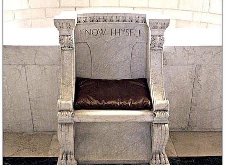 ΓΝΩΘΙ ΣΕΑΥΤΟΝ Know thyself, the perilous seat of Ancient and Accepted Scottish Rite?